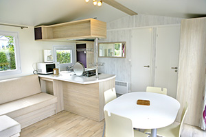 Mobile home equipped kitchen L'Anse du Brick